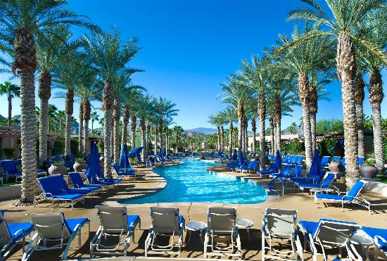 Southwest Airlines offers discounted fares and great last-minute deals on convenient nonstop flights between Las Vegas (LAS) and Phoenix (PHX).